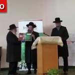 Shloshim Marked for Lori Kaye HYD, Rabbi Lau Attends