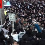 Watch As Thousands Join to Celebrate the Return of Stolen Sifrei Torah in Bnei Brak