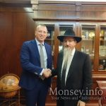 Chief Rabbi of Russia Meets With CEO of Aeroflot to Discuss Needs of Religious Jews While Flying
