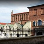 Archaeologists Unearth Crate of Historic Judaica Items Under Synagogue in Poland